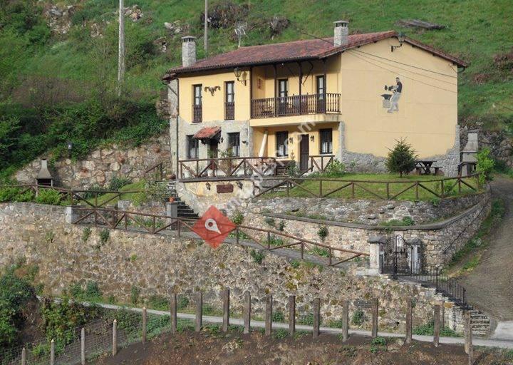Casas Rurales El Ferreiru