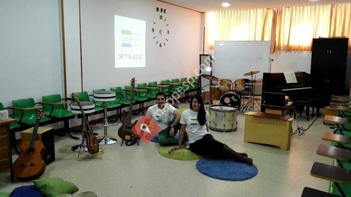 Escuela de música SMUZZ