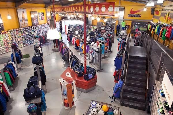 Futbol Factory Outlet - Leganés e0e68964c9121